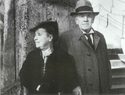 Medtner with Anna at London Zoo, 1948